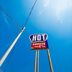 Southern Maid (Thomas Hawk) Tags: america caddo caddoparish louisiana shreveport southernmaiddonuts usa unitedstates unitedstatesofamerica donut donuts doughnut doughnuts neon fav10 fav25 fav50
