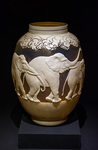 Elephant vase - Émile Gallé