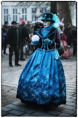 Carnaval Vénitien à Bruges (Des.Nam) Tags: bruges mask masque flandres belgique desnam d800 2470f28 portrait carnaval vénitien couleur street streetphotographie photoderue costumes wonderfulworld bleu blue