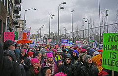 Pre-march Crowd (sea turtle) Tags: protest march women womxn seattle seattlewomensmarch seattlewomxnsmarch seattlewomensmarch20 seattlewomxnsmarch20 crowd people demonstration trump antitrump streetlamps streetlights nagleplace naglepl
