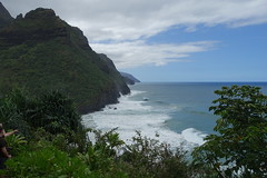 along the Kalalau Trail (Sean Munson) Tags: kauai hawaii coast kalalautrail ocean pacificocean water hiking landscape