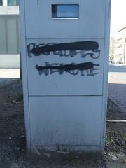 Unwillkommens›kultur‹ (mkorsakov) Tags: münster city innenstadt parkautomat parkingmeter graffiti tagging parole slogan crossed durchgestrichen antifa antira unwillkommenskultur