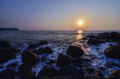 S u n d o w n (_Amritash_) Tags: sundown sunset light beach beachscape rocks waves glow seascape arabian arabiansea