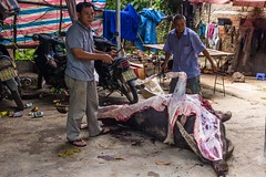 Bůvolí zabijačka (zcesty) Tags: zvířata vietnam20 kráva jídlo domorodci vietnam dosvěta caobằng vn