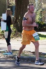 21 Rock 'n' Roll Marathon (Omunene) Tags: humanarocknrollmarathonneworleans2018 brooks race marathon 42195k 26219m esplanadeavenue faubourgstjohn neworleans runners shirtless pecs nipples navel bellybutton chest