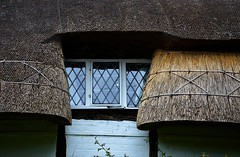 Thatched roof (Snapshooter46) Tags: monksrisborough window thatchedroof architecture buckinghamshire