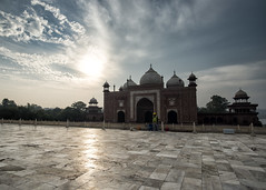 Taj (Blinkofanaye) Tags: india agra tajmahal taj tomb mughal marble 2017