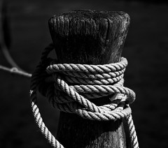 A bit ropey (Rogpow) Tags: isleofwight newtown rope knots mooringrope post woodenpost blackandwhite bnw whiteandblack bw mono monochrome black dark shadows lightandshadows fujifilm fuji fujixpro2