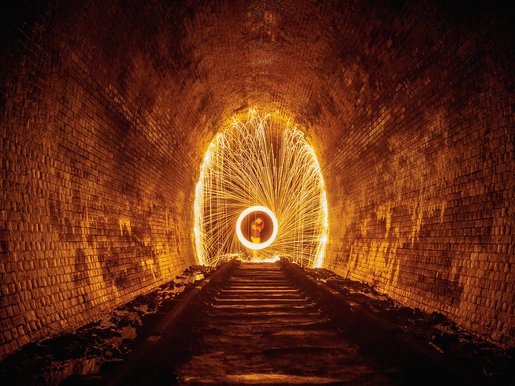 how to get to helensburgh glow worm tunnel