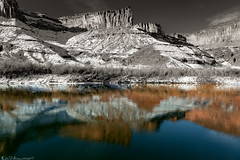 Half and Half, Cold and Warm (Bill Bowman) Tags: coloradoriver canyon domeplateau blackandwhiteontop utah icefloes