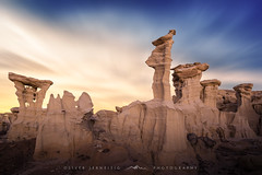 ● alien throne ● valley of dreams ● usa ● (Oliver Jerneizig) Tags: oliver jerneizig oliverjerneizigde wwwoliverjerneizigde oliverjerneizig usa unitedstatesofamerica amerika sunset longexposure night citylights landscape landschaft canon 6d canon6d alienthrone valleyofdreams bistibadlands newmexico