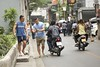 Soi Phiphat 2 (daniel_james) Tags: canon6d tamron90mmmacro silom bangkok krungthep thailand southeastasia streetlife streetphotography people 2018