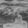 face à la vague (mimu_13) Tags: europe no nor norway troms tromsfylke tromso givre glace hiver saisons vinter winter samsungnx nx500 norvège tromsø météo météorologie carré square noiretblanc noirblanc blackwhite blackandwhite