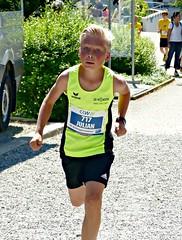 Julian (Cavabienmerci) Tags: suisse schweiz switzerland run running race sport sports runner läufer lauf course à pied coureur boy boys baldeggerseelauf 2017 hitzkirch