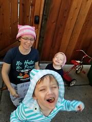 Photo bomber (quinn.anya) Tags: sam preschooler quinn paul toddler womensmarch womensmarch2018 pussyhat photobomber