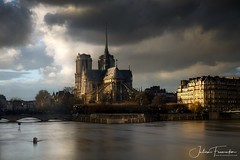 Cathédrale Notre-Dame de Paris durant la crue 2018 (www.fromentinjulien.com) Tags: fromus75 fromus fromentinjulien fromentin flickr view exposure shot hdr dri manual blending digital raw photography photo art photoshop lightroom photomatix french francais light traitements effets effects world europe france paris parisien parisian capitale capital ville city town città cuida colocación monument history 2018 photographe photographer dslr eos canon 5d mark markiv 5dmarkiv fullframe full frame ff 2470mm 2470 canonef2470mmf28l canon2470mmf28 urban travel architecture cityscape goldenhour sunset poselongue longexposure sky skyporn cathedrale cathedral notredame seine crue