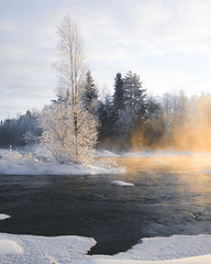 Hot and cold (Nippe16) Tags: water witner winter snow mist fog moody atmosphere nature outdoor finland