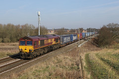 Shed seven.66007 4M25 Redbank 24.02.2018 (Dan-Piercy) Tags: dbcargo ews class66 66007 redbank 4m25 mossend daventry intermodel liner boxs wcml