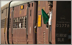 Guard of honour (david.hayes77) Tags: traino2089 indianrailways nwr ir india jaipur rajasthan guard railwayworker 2016 greenflag cameo mg metregauge employee
