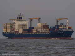 Rio Thelon (U. Heinze) Tags: cuxhaven elbe nordsee ship schiff vessel boot olympus