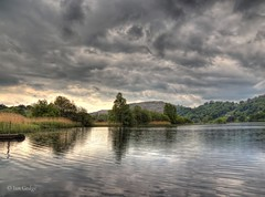 Grasmere Clouds (Ian Gedge) Tags: uk britain england cumbria lake lakedistrict grasmere water landscape trees clouds