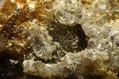52/2.  Muskoviitti, muscovite (pegmatite96) Tags: muscovite silicates crystal kristall mineraler sten stensamling mineralien minerals mineraaliharrastajat kiviharrastajat kivikerho viitaniemipegmatite