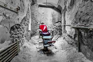 PRISON cHAIR
