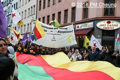 Demonstration: Von Kreuzberg nach Afrin - Tod dem Faschismus! Solidarität mit Rojava! – Berlin - 04.02.2018 – IMG_9244 (PM Cheung) Tags: toddemfaschismusdefendafrinlangleberojava berlin 04022018 rojava ypg ypj volksverteidigungseinheiten frauenverteidigungseinheiten repression sohr afrin efrîn türkei militäroffensivetürkei operationolivenzweig yekîneyênparastinajin manbidsch alqaida yekîneyênparastinagel operasyonunzeytindalı fsa demonstration kurdistan hermannplatz antifa 2018 pomengcheung polizei türkischenationalisten pmcheung interventionistischelinke oranienplatz ypgstattspd mengcheungpo facebookcompmcheungphotography vonkreuzbergnachafrintoddemfaschismussolidaritätmitrojava kurden pkk demo protest kundgebung präsidentreceptayyiperdoğan kriegspolitik rûbar solidaritätsdemonstration berlinkreuzberg neukölln russland usa syrien westkurdistan nordkurdistan bürgerkrieg anadolu autonomieregion syrischendemokratischenkräftesdf islamischerstaatis daesh stopptergogan topberlin afrinnotalone b0402 internationalistischedemonstration afrinoperation afrinunderattack defendafrin