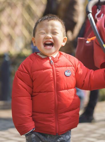 嘟嘟在上海动物园享受阳光