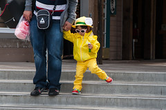 Fashionable! (surgeon24hrs) Tags: kid kids child kidsfashion fashion color colors canon canondigital tamron tamronlens zoom street streetphotography streetfashion sanfrancisco california sf motheranddaughter motherandkid motherandchild fashionable