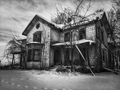 ghost whispers...(never be nevous again house) (Aces & Eights Photography) Tags: abandoned abandonment decay ruraldecay oldhouse abandonedhouse neverbenervousagain