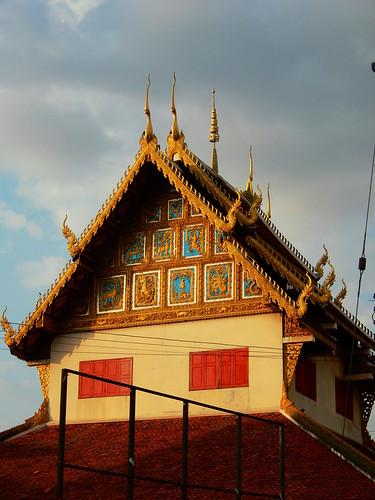 Wat Saenfang