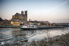 Mantes-la-Jolie un matin d'hiver HDFEfexPro2 XT2 _DSF2888 (mich53 - thank you for your comments and 5M view) Tags: hiver 4winter winter boat péniche seine river riverside morning collégiale church paysage manteslajolie yvelines îledefrance france xt2 xf1655mmf28rlmwr 2017 givre froid montfortlamaury marine fluvial marinefluviale