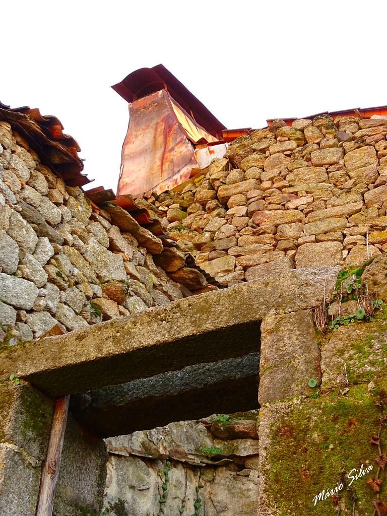"""Águas Frias (Chaves) - ... """"beleza"""" das ruínas ..."""