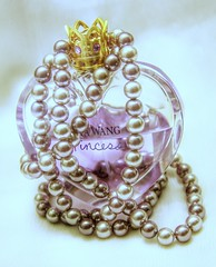 Vera Wang Princess with Pearls (Alka_007) Tags: 2018 fragrance fruity perfume eaudetoilette canoneos50d canoneos canon pearls princess verawangprincess verawang 52week 52weekproject project52