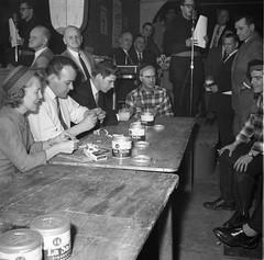 Concours de « roulage » de cigarettes (Bibliothèque et Archives nationales du Québec) Tags: cigarettes tabac lasalle carnaval rouynnoranda banq