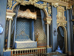 A bed fit for a queen (DameBoudicca) Tags: sweden sverige schweden suecia suède svezia スウェーデン drottningholm drottningholmsslott drottningholmpalace schlossdrottningholm palaciodedrottningholm châteaudedrottningholm castellodidrottningholm ドロットニングホルム宮殿 slott palace schloss palacio château castello 宮殿 baroque barock barocco barroco bedroom sovrum schlafzimmer dormitorio chambreàcoucher chambre cameradaletto 寝室