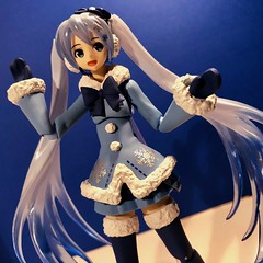 Snow Miku (Sasha's Lab) Tags: miku hatsune vocaloid teen girl figma action figure jfigure gsc toy