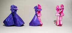 The Last Waltz - Variações (Arturo-) Tags: last waltz couple origami gay bi bisexual bissexual lesbian lésbico lgbt dobradura papel paper roxo purple pink rosa sanduíche tissuefoil casal casais couples neal elias dança dance dancing dançando bandeira flag