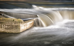 waterfall (Flox Papa) Tags: waterfall toulouse garonne