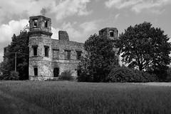 Pałac Tarłów w Podzamczu Piekoszowskim (WMLR) Tags: hd pentaxd fa 2470mm f28ed sdm wr pentaxk1