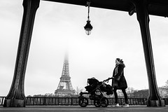 Walk (Mustafa Selcuk) Tags: parisienne paris birhakeimbridge eiffeltower foggy fog streetphotography streetshots streetphotographer street nb neb noiretblanc wideangle xt2 fujifilmtr fujifilmfrance monochromatic monochrome bw bnw blackandwhite eifel eiffel walking walk 16mm 2017 2018 fujifilm
