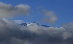Plateau du Trient, aiguilles du Tour (bulbocode909) Tags: valais suisse montagnes hiver nuages brume neige bleu plateaudutrient aiguillesdutour nature