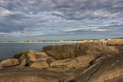 Dawning (Larissa Cadorin) Tags: peninsula rocks coast coastbay overview sunrise santacatarina laguna
