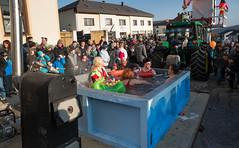 Baywatch- Austrian Style (alexanderferdinand) Tags: maiersdorf veranstaltungaussen fahrzeug menschen carneval österreich canoneos1dxmarkii ef2470mmf28liiusm