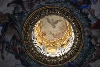 Dove and cherubs - Oculus, Church of the Gésu, Rome - Explore!