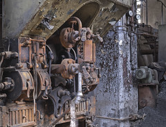 Das kleine Kraftwerk (7) (david_drei) Tags: abandoned kraftwerk powerplant powerhouse powerstation decay lostplace technik steampunk