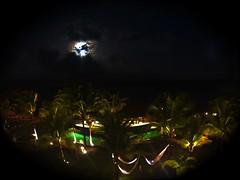 Lua mágica  \ Magic Moon | Natal, Rio Grande do Norte - Brasil. (Dimas.2017) Tags: praia iphone iphone8 viacosteira pontanegra noite lua nordeste brazil brasil riograndedonorte