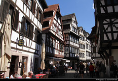 Petite France, Strasbourg, France (JH_1982) Tags: petite france timberframes historic quarter district architecture timberframe house houses landmark landmarks ill unesco world heritage site halftimbered 小法兰西tourism tourist sightseeing strasbourg strassburg strasburg estrasburgo strasburgo 斯特拉斯堡 ストラスブール страсбург alsace elsass frankreich francia frança 法国 フランス 프랑스 франция