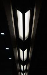 York University Station (platform level) (Lú_) Tags: toronto architecture foster modernist modern modernism brutalist brutalism neobrutalism neobrutalist ttc subwaystation yorkuniversitystation torontophotowalk lightfixture concrete